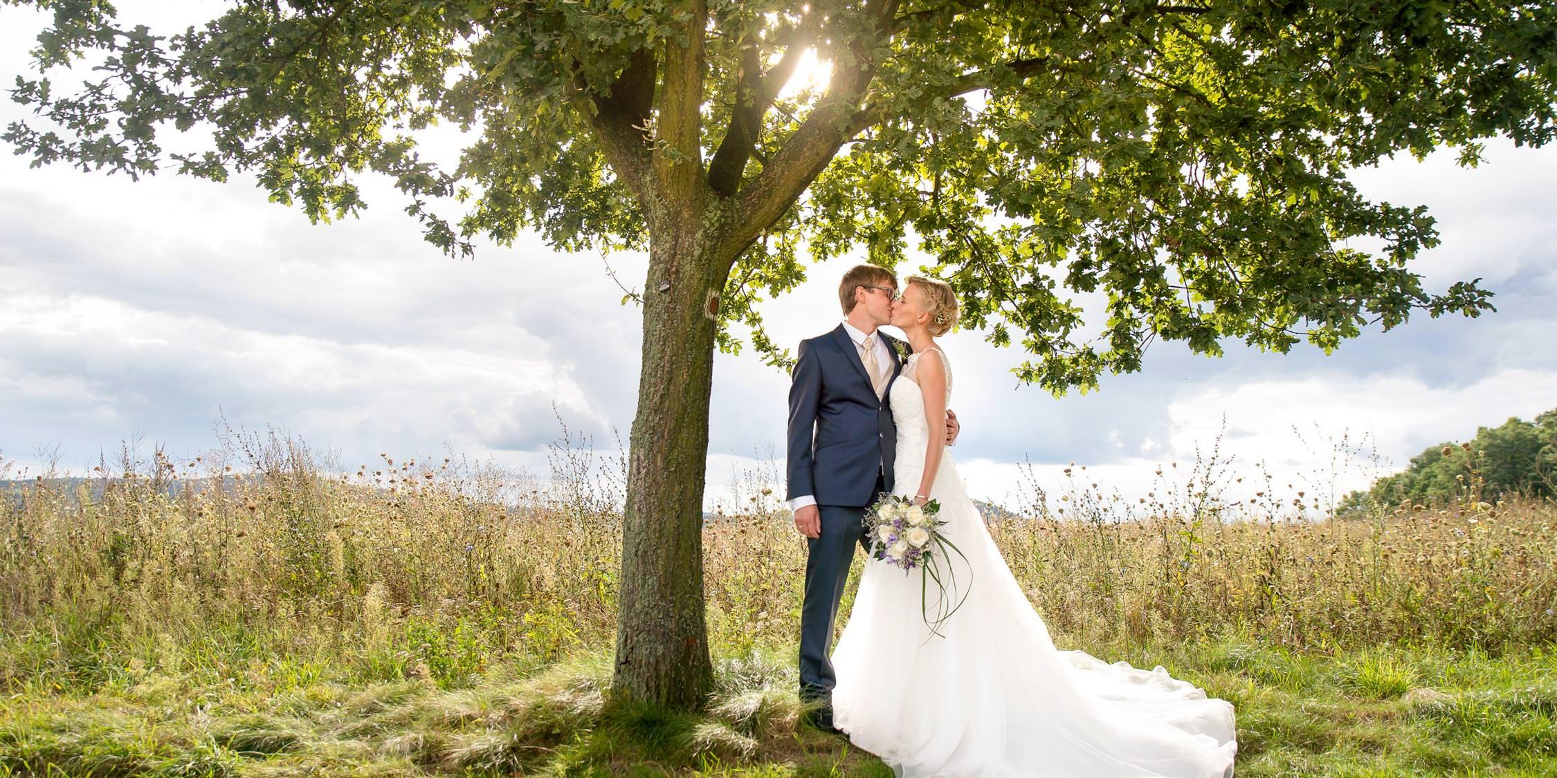 Brautpaar auf dem Hutberg in Kamenz Hochzeitsfotograf Dresden